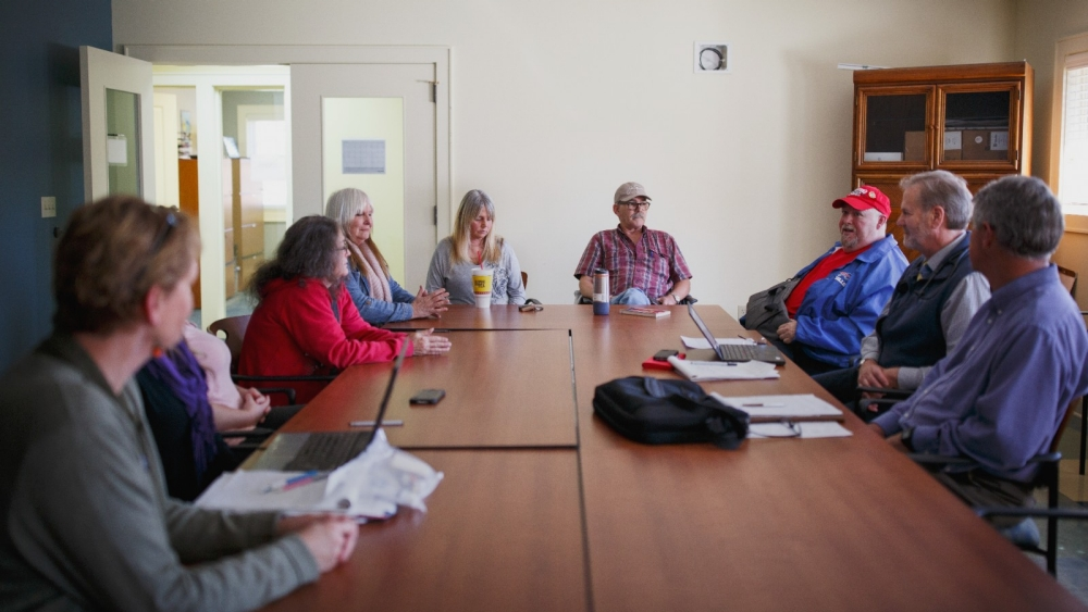 Patients discuss their emotional, social and health concerns during a Bridges to Health session at The Free Clinics.