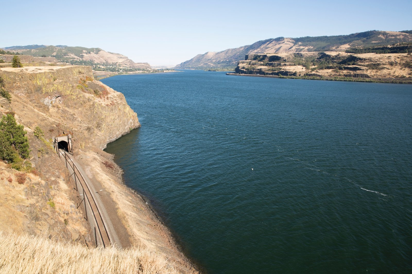 Columbia River near town of Hood River.
