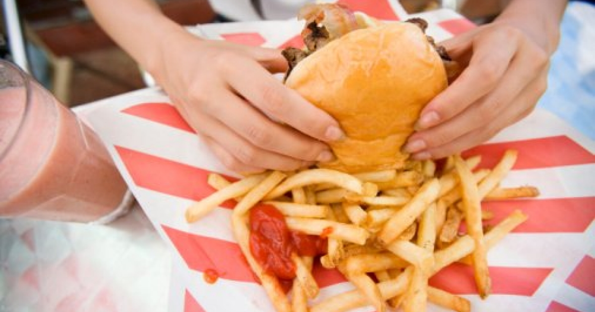 """how fast food industry has contributed to childhood obesity Most people don't dispute that we have an obesity problem in this country   further, the science shows that food and beverage marketing contributes to   dollars targeting children with marketing, mostly for obesogenic foods, placed  literally  combining """"free"""" toys with kids' meals in fast food restaurants."""